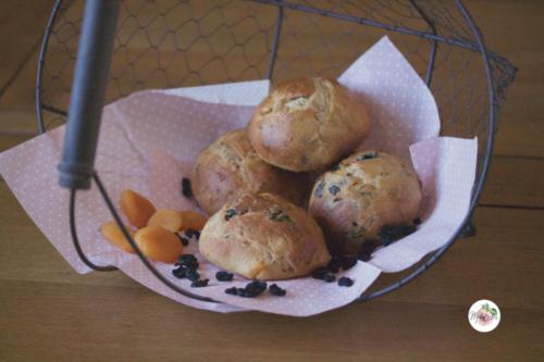 Petits pains sucrés façon Eric Kayser, aux griottes séchées et abricots secs
