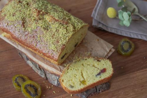Cake aux fruits confits (kiwis et amarenas)